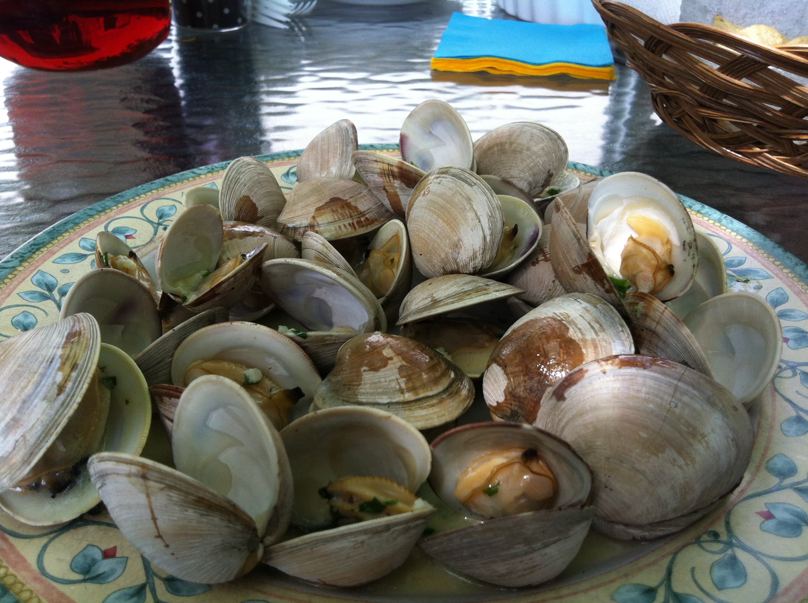 Grilled Littleneck Clams with Herb Butter Sauce